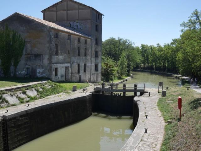 Canal du Midin sulkuja.