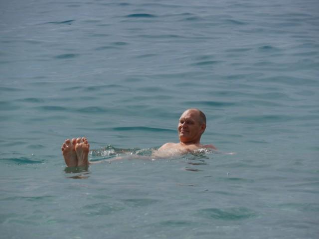 Vesi oli lämmintä, mutta veteen pääsy oli kivuliasta.